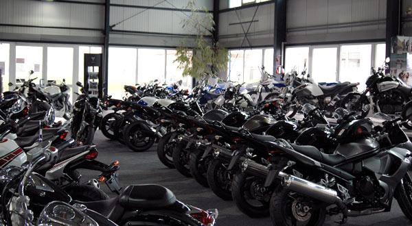Motorrad Ressler Ausstellungshalle (Teilansicht li.)